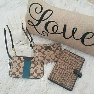 Bundle of mini wristlet bags and planner case